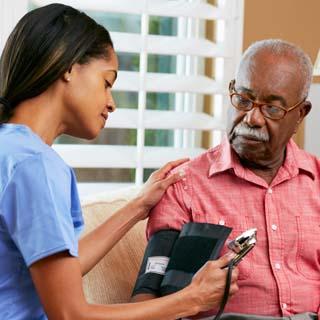 causas presion arterial alta en hombres